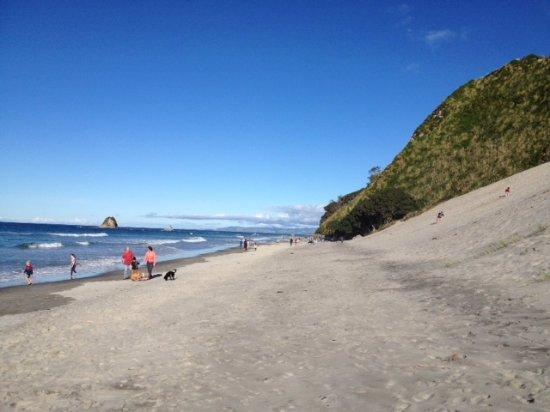mangawhai-beach-with
